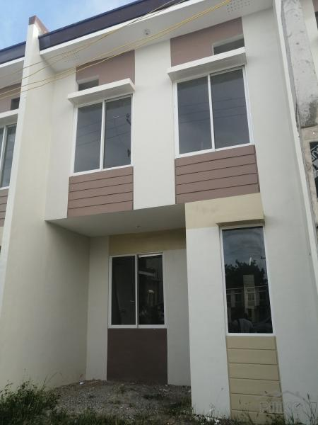 Picture of 3 bedroom Townhouse for sale in Lapu Lapu
