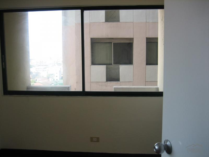 Picture of 2 bedroom Condominium for sale in Makati